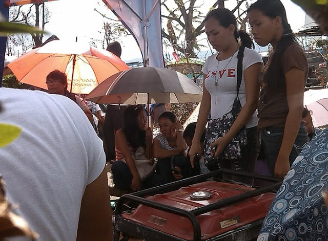 Globe-charging-station-for-Yolanda-Survivors-ormoc