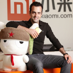 Hugo-Barra-with-Xiaomi-Mi-3-and-Mi-Bunny