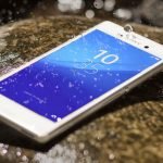 Sony-Xperia-M4-Aqua-water-splash