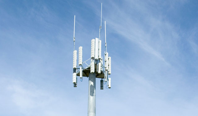 Telstra-base-station-tower