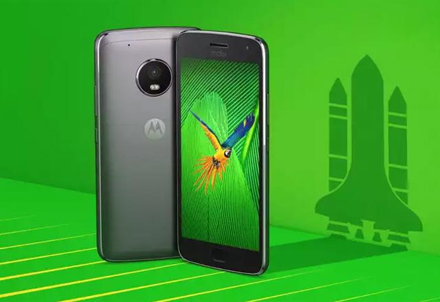 Motorola Moto G5 Plus in gray.