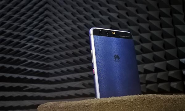 A Huawei P10 sits inside an anechoic chamber.