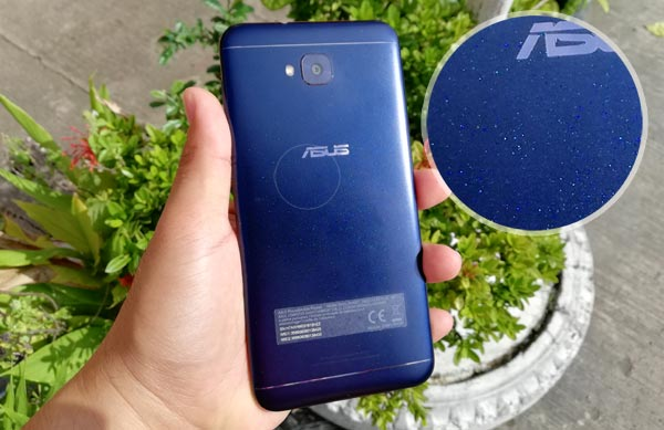 The glittery effect on the back of the ASUS Zenfone 4 Selfie. It's more pronounced IRL.