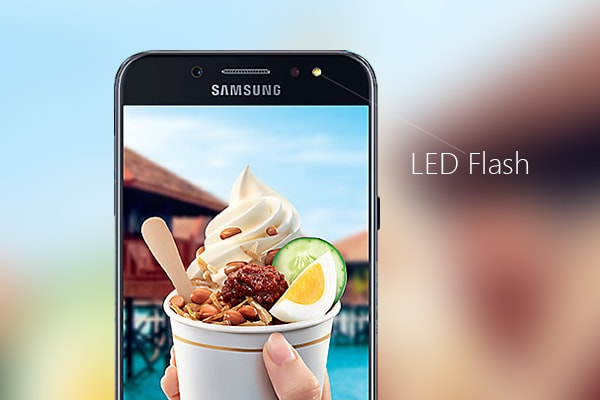 The LED flash on the front of the Samsung Galaxy J7+.