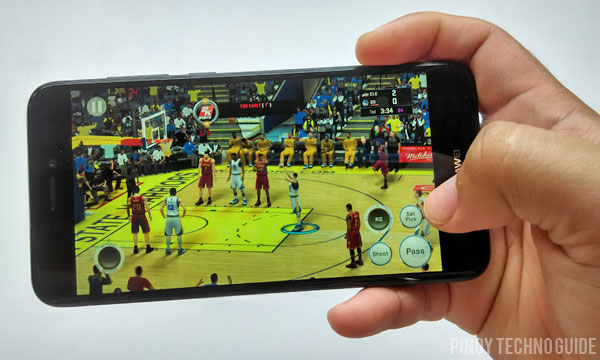 Playing NBA 2K16 on the Huawei GR3 2017.