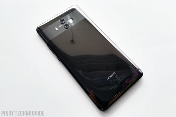 Glass back of the Huawei Mate 10. Notice the strikign design of the camera setup.