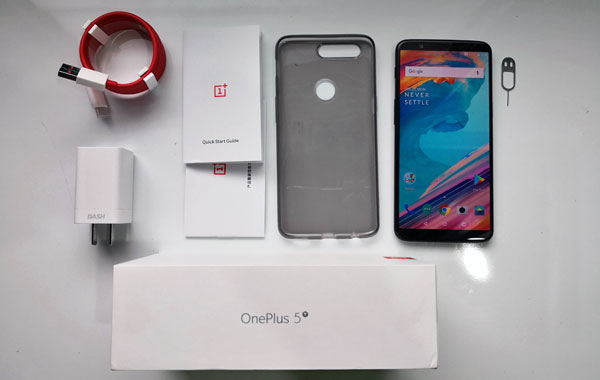 Unboxing the OnePlus 5T...