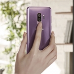 The Samsung Galaxy S9+ has dual cameras.