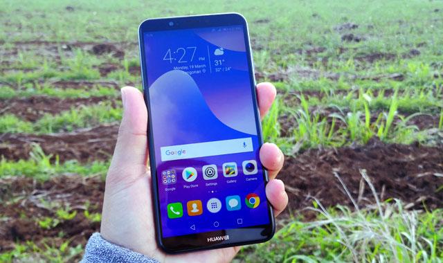 Hands on with the Huawei Nova 2 Lite smartphone.