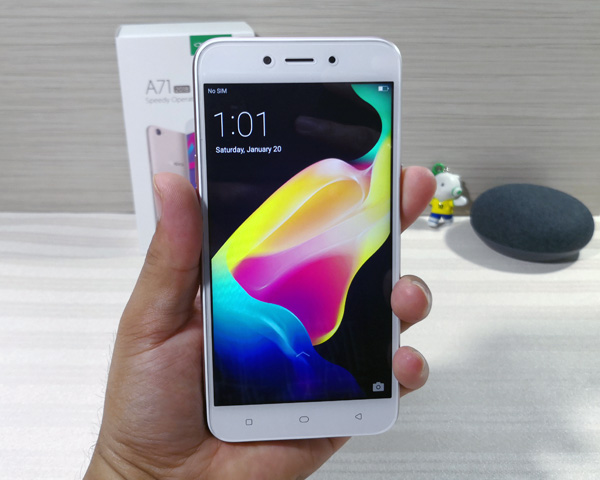 Hands on with the OPPO A71 (2018).