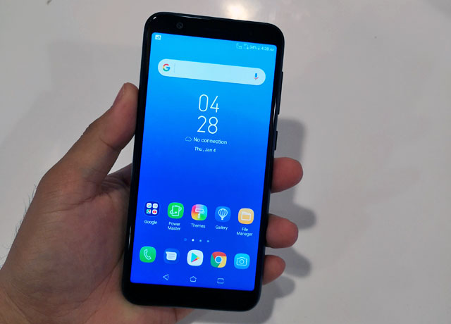 Hands on with the ASUS Zenfone Max (M1).