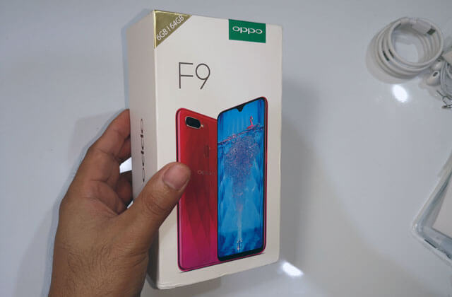 Unboxing the OPPO F9 smartphone.