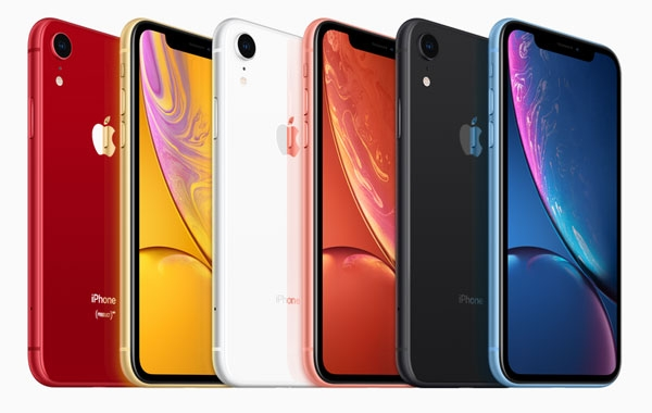 Color options for the iPhone XR.