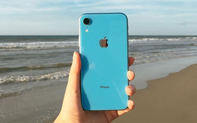 Meet the iPhone XR in blue!