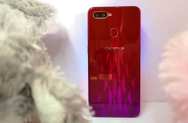 The OPPO F9 sunrise red.
