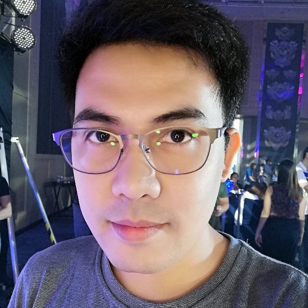 Honor 10 Lite sample selfie.