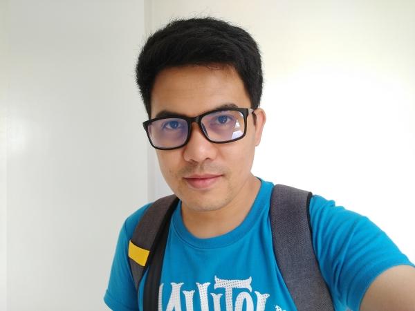 oppo-a7-sample-selfie