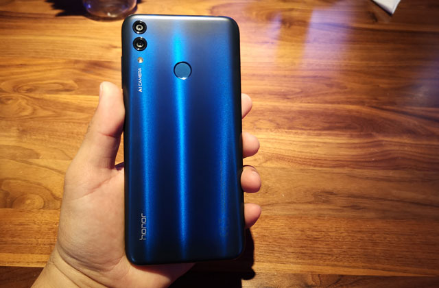This is the Honor 8C smartphone!