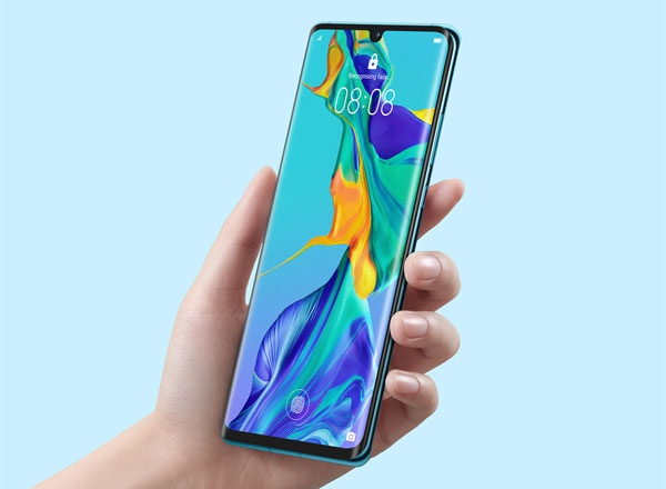 The Huawei P30 Pro's curved OLED display.