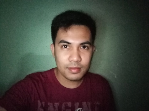 Huawei Y6 Pro 2019 sample selfie in the dark.