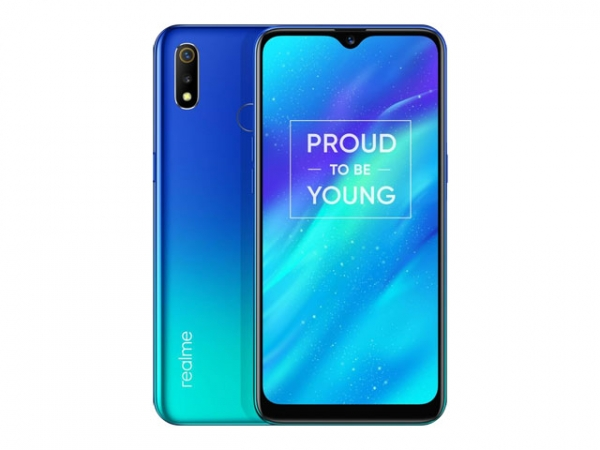 The Realme 3 smartphone in Radiant Blue color.