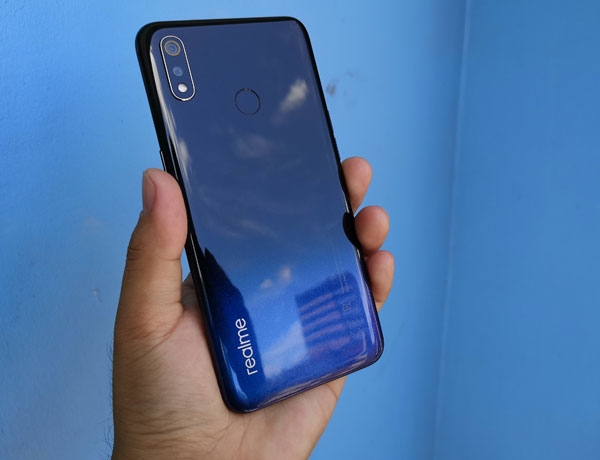 The Realme 3 looks cool!