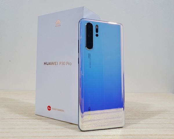 The Huawei P30 Pro and its box.