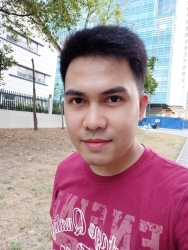 OPPO F11 Pro sample selfie (outdoor).