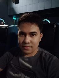 OPPO F11 Pro sample selfie inside a cinema (low light).