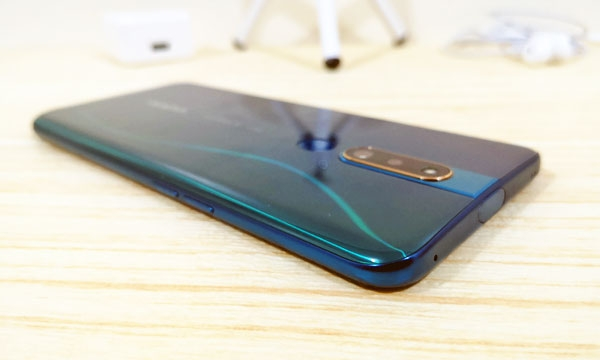 Side view of the OPPO F11 Pro.