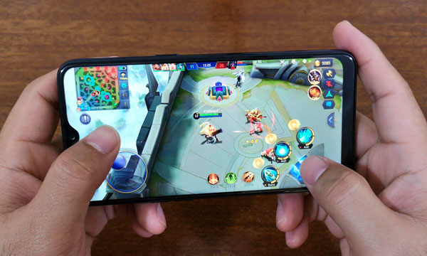 Mobile Legends on Realme 3.
