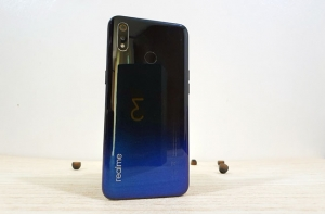 Let's review the Realme 3 smartphone!