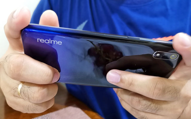 Let's test the gaming performance of the Realme 3!