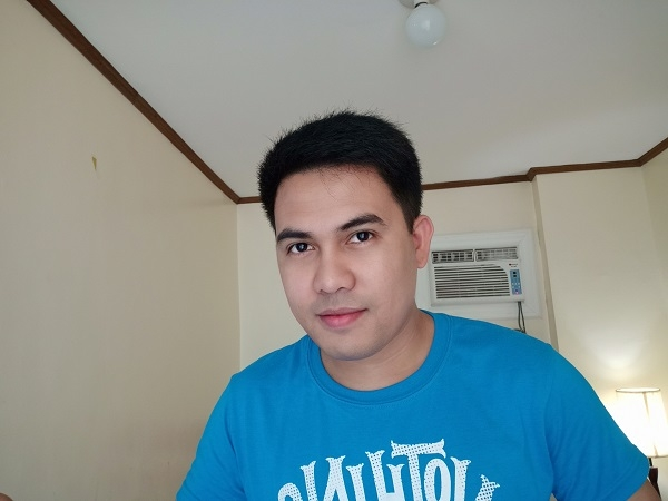 Sample selfie using the Realme 3.