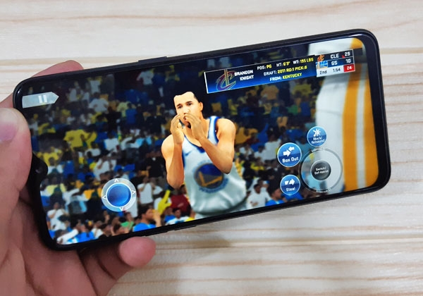 NBA 2K19 on the Realme 3 Pro.