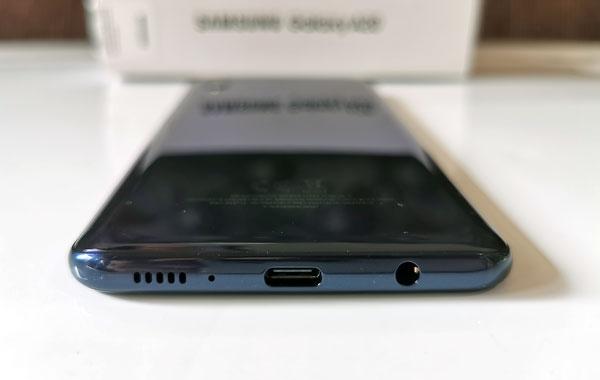Samsung Galaxy A20 bottom view