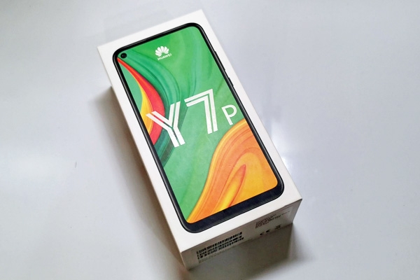 Huawei Y7p box.