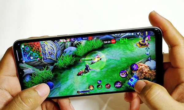 Mobile Legends on the Realme 6i.