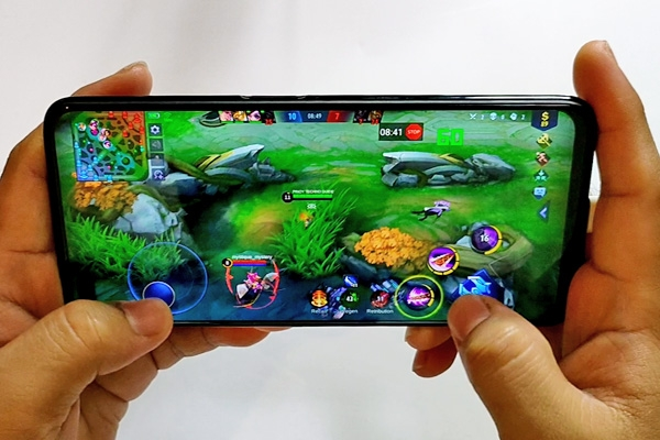 Mobile Legends: Bang Bang on the realme 6 Pro.