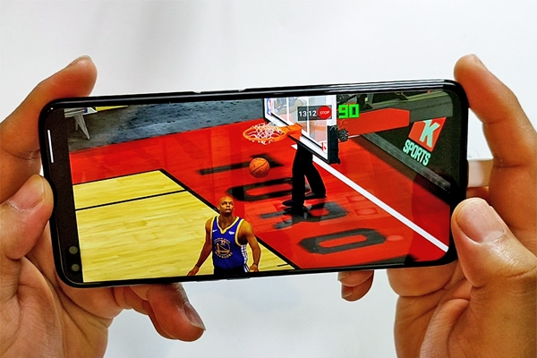 NBA 2K20 on the realme 6 Pro.