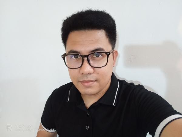 Realme 6 sample selfie.