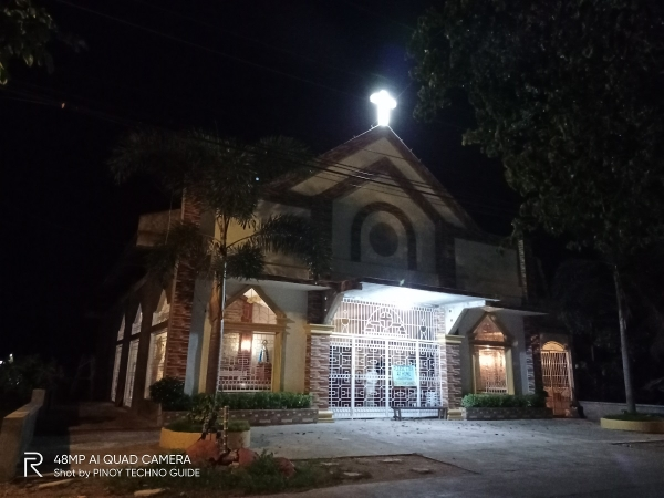 realme 6i sample picture (church, low-light, normal mode)
