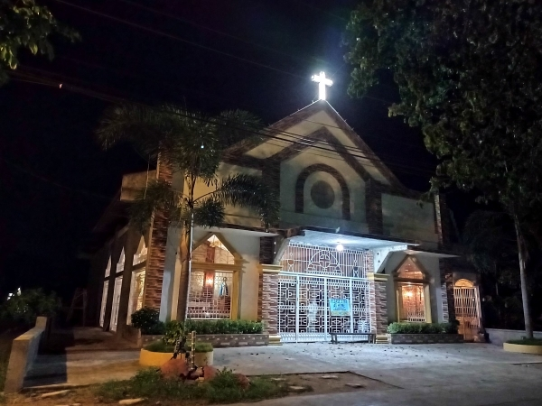 realme 6i sample picture (church, low-light, night mode)