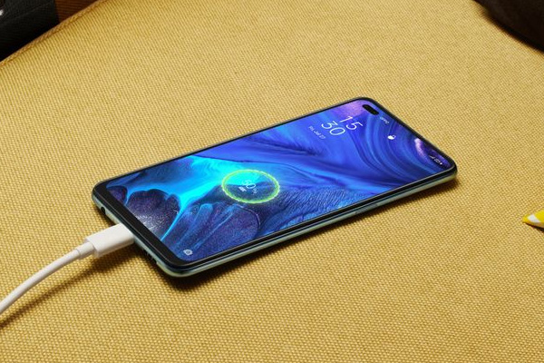 OPPO Reno4 fast charging