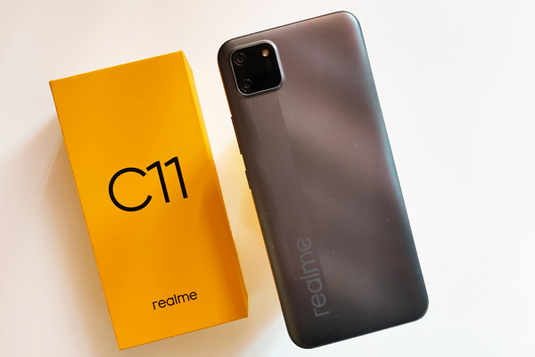 The realme C11 and its box