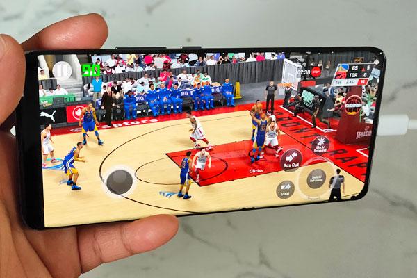 NBA 2K20 on the Xiaomi Mi 11.