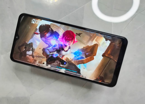 Playing Mobile Legends on the Samsung galaxy A12!