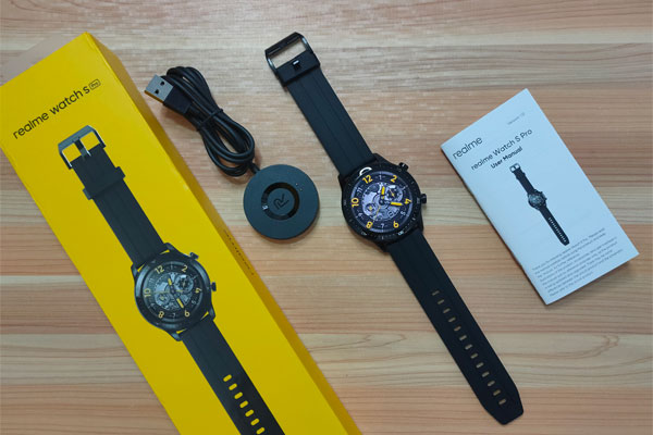 Unboxing the realme Watch S Pro.
