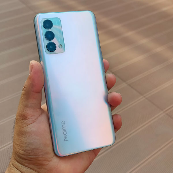 The realme GT Master Edition in Daybreak Blue!